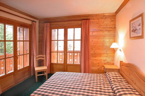 HEBERGEMENT + FORFAIT + MATERIEL - LES 2 ALPES - Alpina Lodge