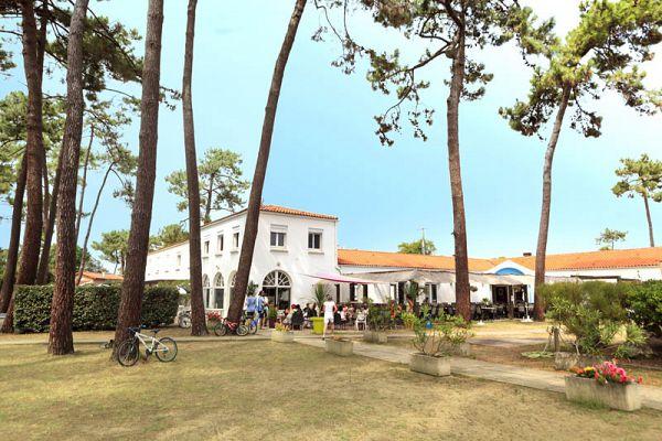 RONCE-LES-BAINS - Pension Complète en Village Club (2 semaines)