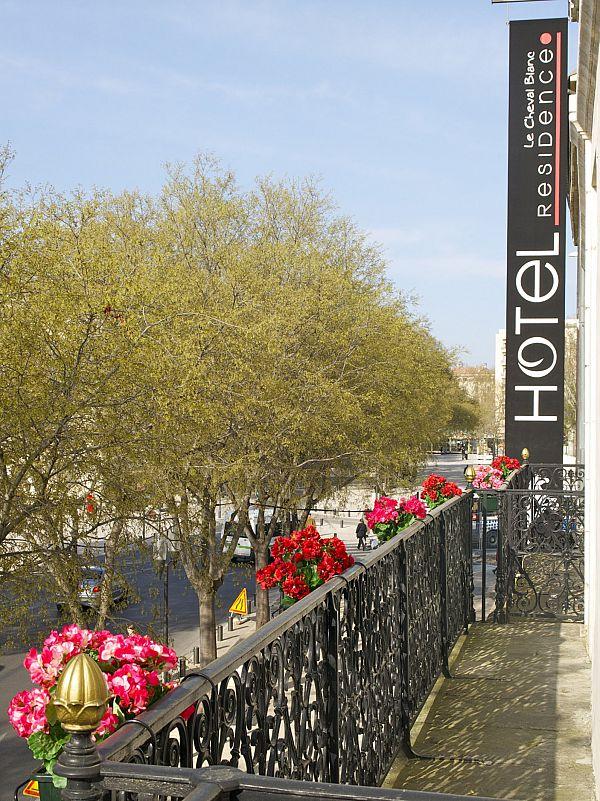 WEEK-END - NÎMES - Le Cheval Blanc