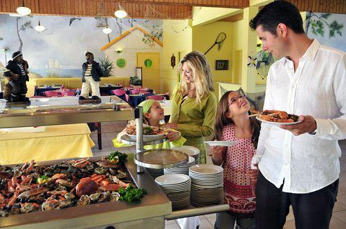 HAUTEVILLE-SUR-MER - Pension Complète en Village Vacances